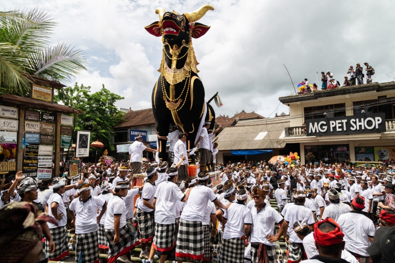 A King's Funeral in Ubud