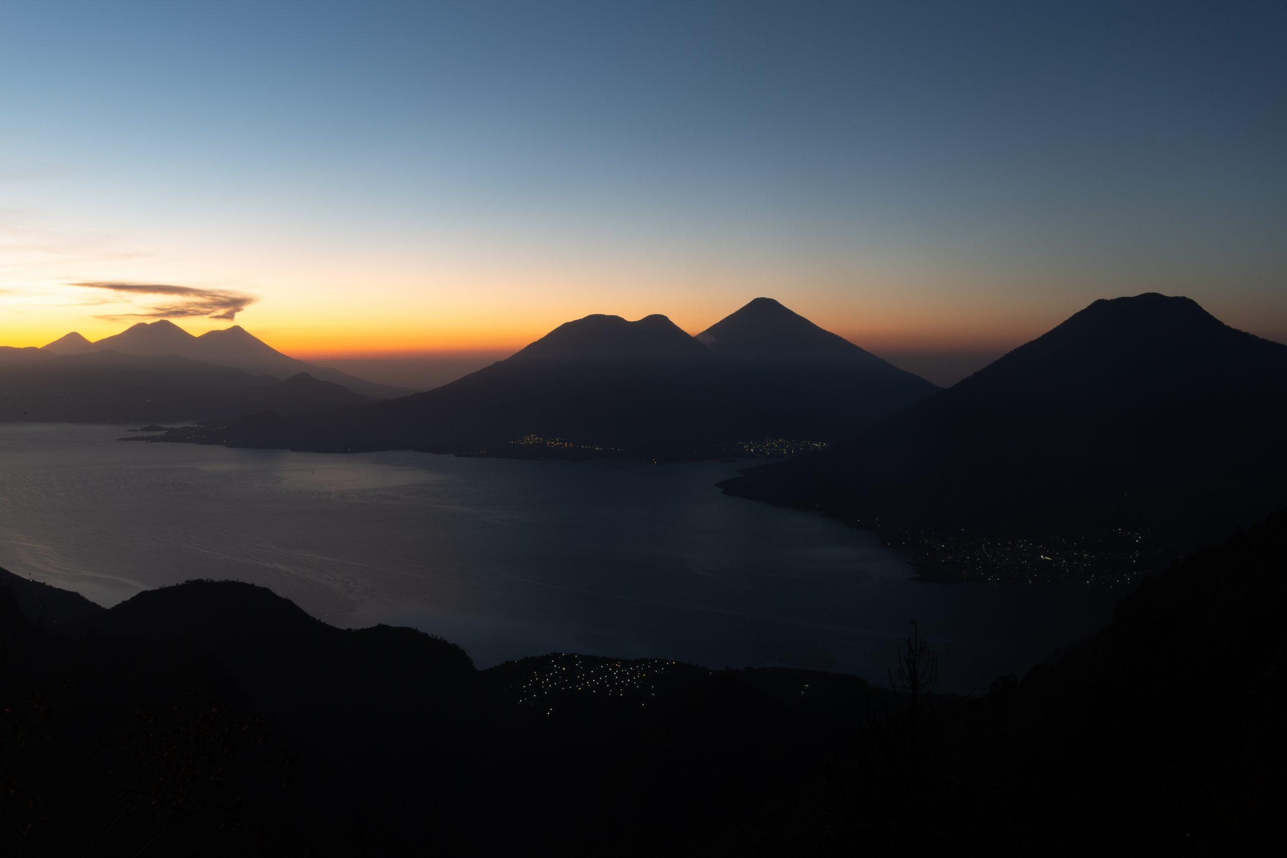 sun rising over Parque Chuiraxamolo